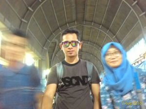 Kalo foto sama artis Sumatera begini nih, blur kita-nya. Hahaha
