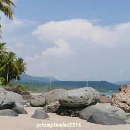 6 Foto Wajib Saat Berkunjung ke Tepi Pantai