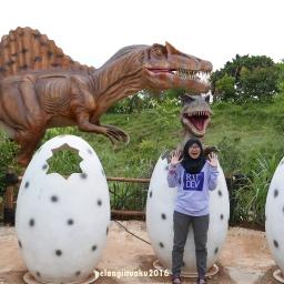Nostalgia Bareng Dinosaurus di TMII