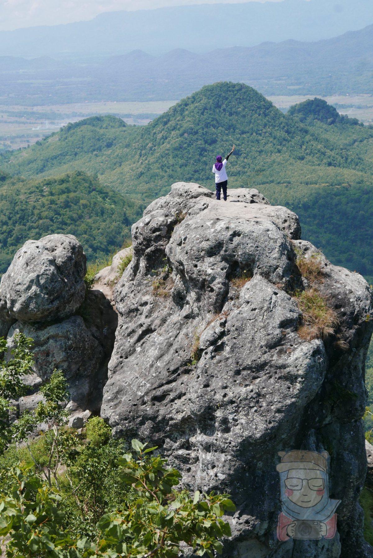 Eksotisme Tersembunyi Bukit CumbriWonogiri