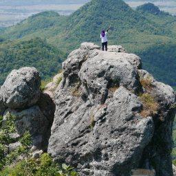Eksotisme Tersembunyi Bukit Cumbri Wonogiri